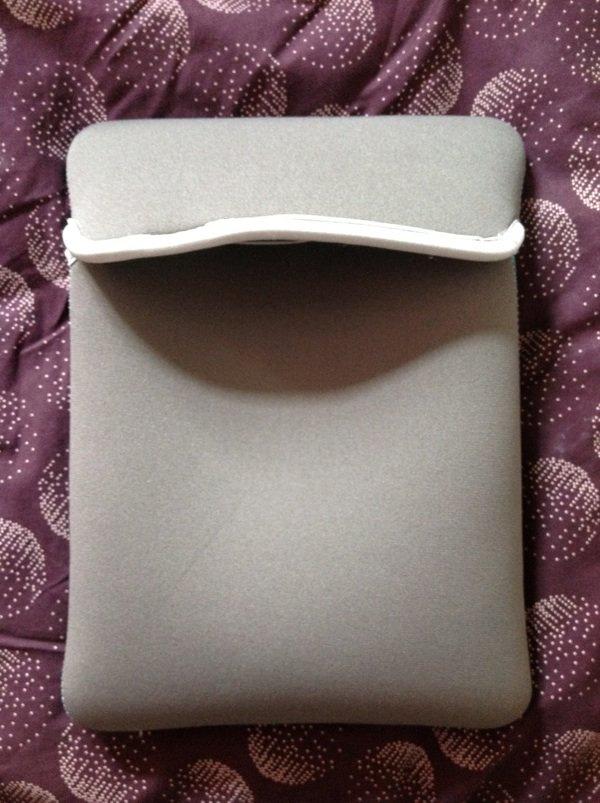 Pochette iPad bleue retroussable