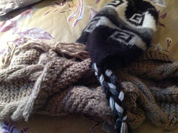 Écharpe kaki bonnet péruvien