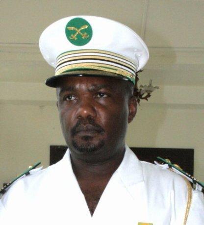 Comores: le chef d'état-major refuse son inculpation, se réfugie dans une école militaire