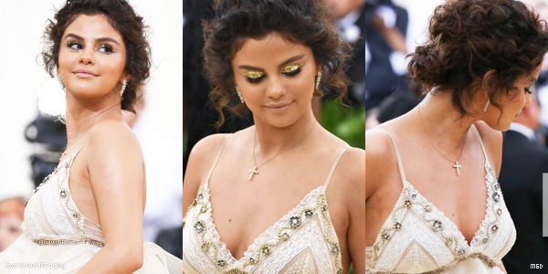 . • 06/05/2018 : Notre miss Gomez était de sortie avec ses amis Justin Theroux, Paul Rudd et Rooney Mara dans les rues de New York. Côté tenue : C'est un joli TOP pour Selena. J'aime beaucoup son trench avec son jean, son haut simple et ses bottines !  .