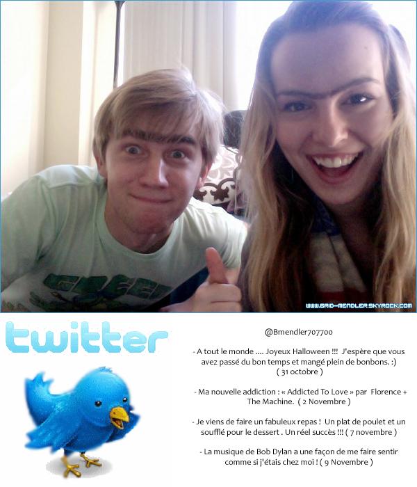.       « Jour du monosourcil sur le tournage  . Tel était le message accompagné de cette photo de Bridgit & sa co-star . »         .