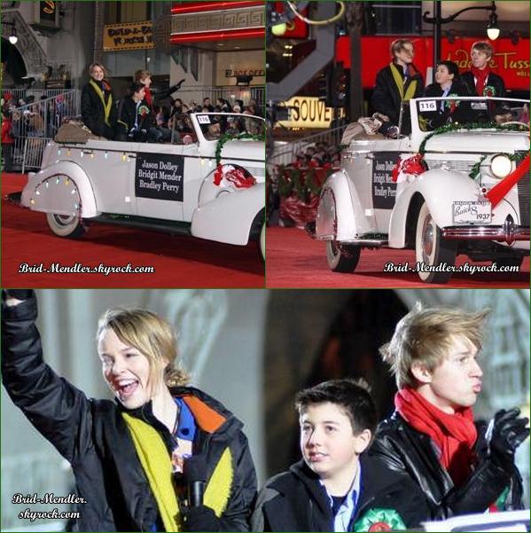 .       « Bridgit était présente à la parade de Noël d'Hollywood ce 28 Novembre 2010 accompagnée de ses co - stars »         .