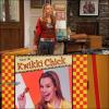 .       « Bridgit dans tous ses états dans l'épisode Kwikki Chick de la série  Bonne Chance Charlie   »         .