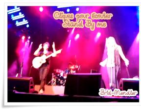 .        « Bridgit chante avec Shane au PNE Playland  à Vancouver ce 21 Août ».                 .