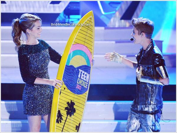 22/07/12   Bridgit a assisté aux TCA 2012 avec Shane Harper et a remis un prix à  J. Bieber.