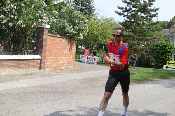 Gilles LETESSIER (France) dossard n° 7 dans Paris-Colmar 2011 ,les photos du circuit de l'EURE  à BERNOUVILLE (27)