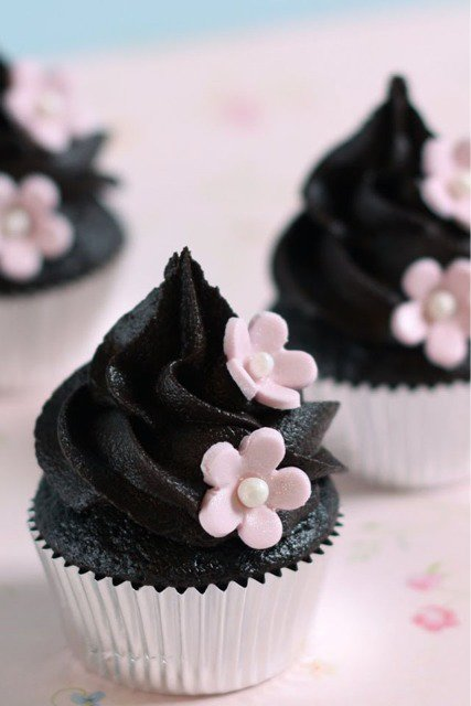 Cupcakes glaçage chocolat noir.*