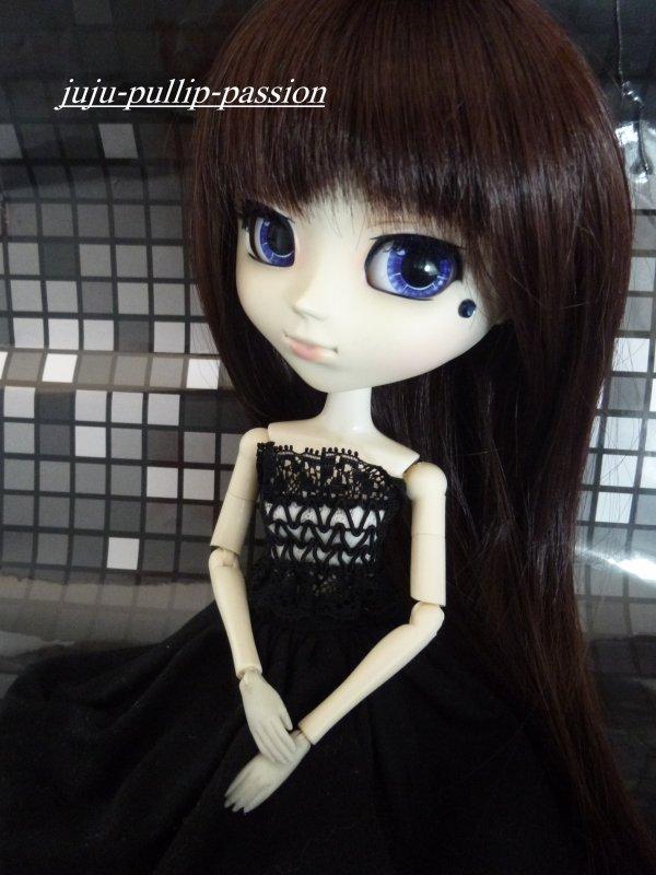 Yumi en black and white!