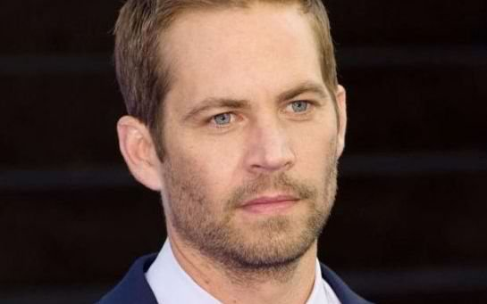 Paul Walker décède dans un accident de voiture / Paul Walker has died in a car crash accident
