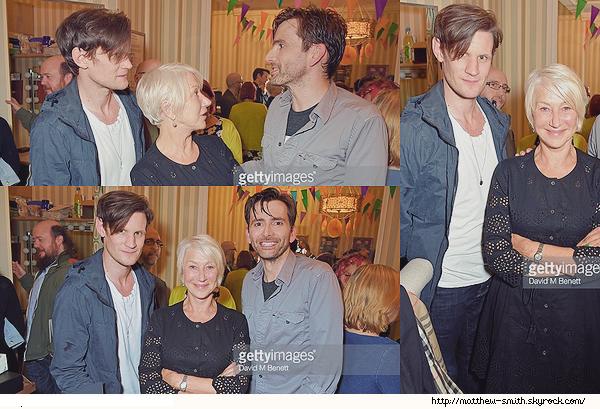 •••  CANDID Matt, David et Helen Mirren après une représentation de Don Juan, London, le 07 juin 2017           Tee shirt blanc et veste grise/bleue et jean foncé, basique mais qui rend vraiment bien. Peu de photos c'est dommage.