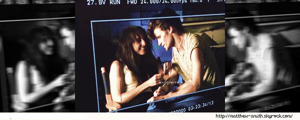 •••  M Set Première image de Matt dans le rôle de Robert Mapplethorpe lors d'un test caméra