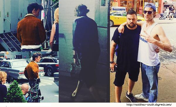 •••  M Set De nouvelles photos de Matt sont apparues sur le tournage de son prochain film, fin juillet - début août               Matt ne se décidant pas à sortir voici des photos de tournages et avec un fan, j'aime les 02 de droite où Matthew porte une veste marron.