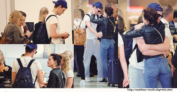 •••  CANDID Matt, sa casquette  et Claire à aéroport de LAX à Los Angeles. 18 Septembre 2017             Une fois de plus nous retrouvons Matthew casquette à l'envers  mais cette fois à LAX surement pour retourner en Angleterre.