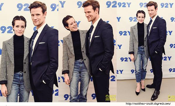 •••  EVENT Matt et Claire été présent à un événement se déroulant au 92nd Street Y, le 04 Décembre 2017             Que trois photos disponibles mais je les aime bcp. Ils sont trop chou tous les deux.Matt portait la même tenue qu'avec Seth Meyers.