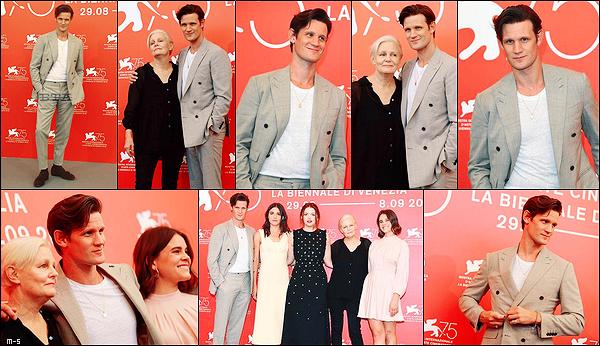 """•••  APPEARANCES Matt été avec une partie du cast de """"Charlie Says"""" sur le red carpet du festival de Venise          En ce 02 Septembre 2018, il a aussi donné des petits interviews dont un en compagnie de la réalisatrice du film, Mary Harron."""