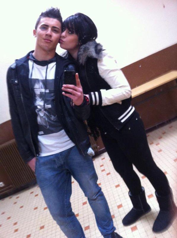 Moi :) Avec la soeur :D