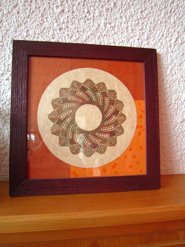 petit napperonron (heu ...  napperon rond) réalisé par Catherine