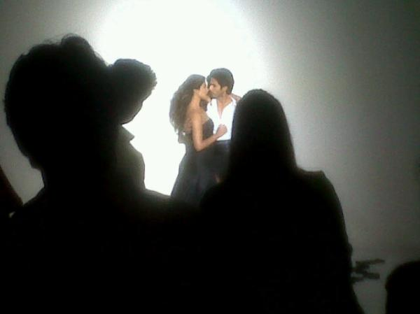 Shahid & Priyanka's Photoshoot for Filmfare June 2012 Issue