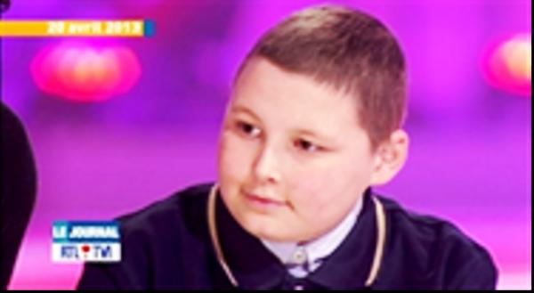 Le petit Thibault, qui avait courageusement témoigné l'année dernière sur le plateau du Télévie,    est décédé.       -     Vous rappelez-vous de Petit Bichon ?