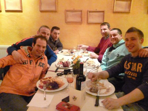 article 15 : coach au Condruzien - 8 photos -