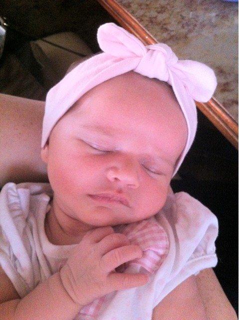 Eva a 27 jours le 30 aout 2011