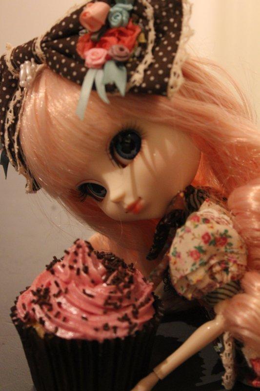Cupcake day for Cachou-Gwendolyn