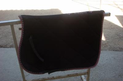 tapis affaires de cheval vendre. Black Bedroom Furniture Sets. Home Design Ideas