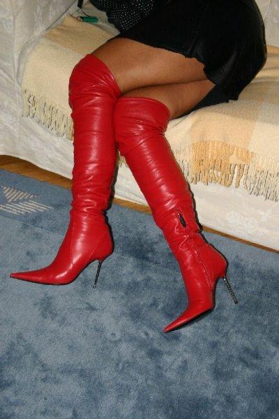 la passion  pour les bottes et cuissardes