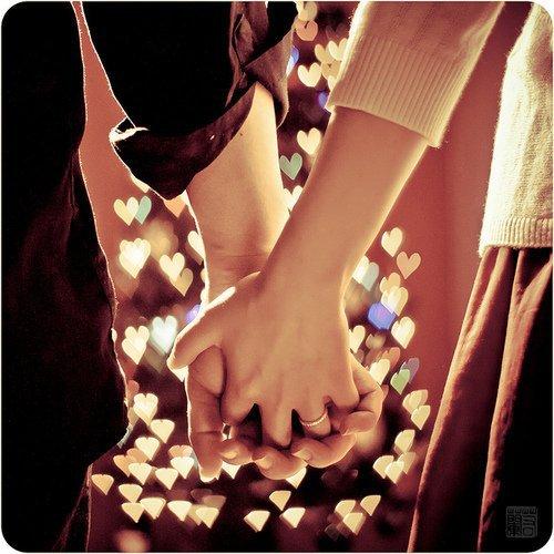 Je t'aime juste comme une tarée. C'est un truc de dingue. Personne ne peut t'aimer comme je t'aime. Jt'e promets.