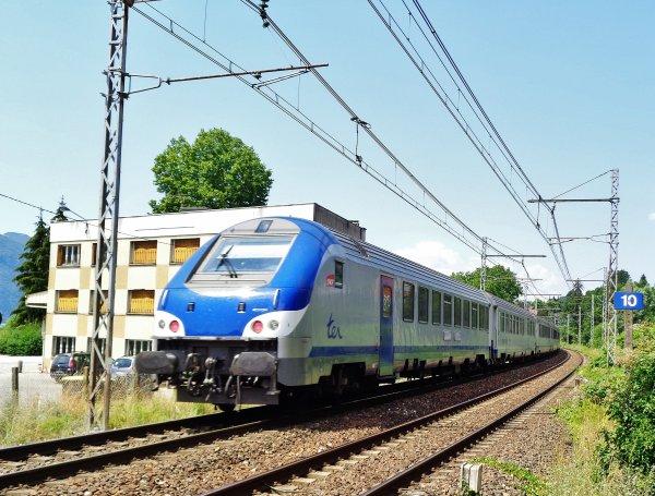B5 UXH 77148