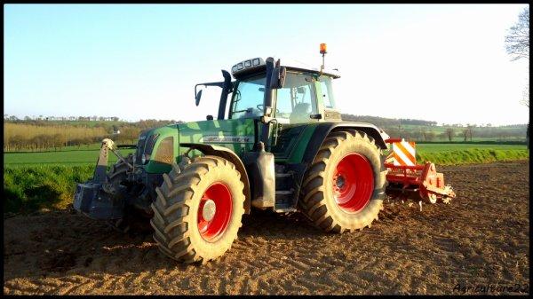 Préparation de terres a maïs 2013, Fendt 714 vario & Howard...