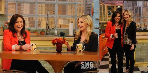 21/02/2012: Sarah était sur le plateau de Rachel Ray. On retrouve Mlle Gellar dans la même tenue que quelques jours plus tôt, le 7/02, & pour moi c'est toujours un TOP.