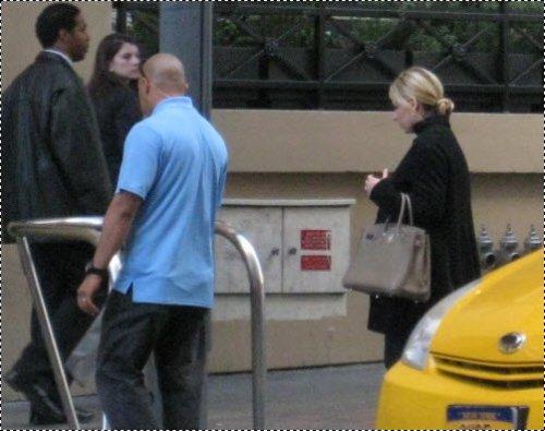 2/03/2012: Sarah était sur le set de l'épisode final de Ringer à LA