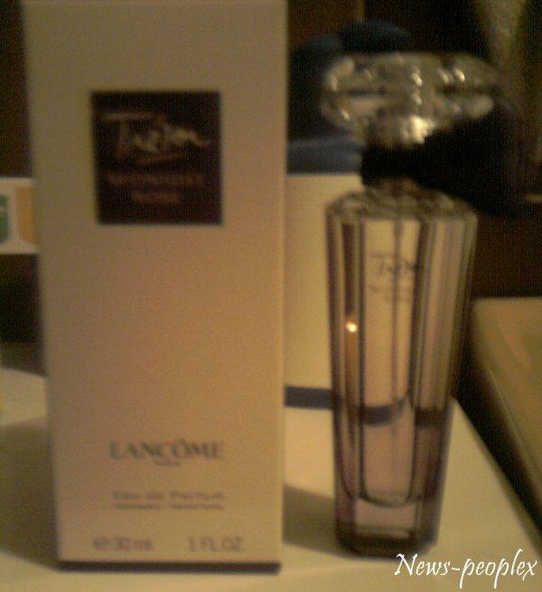 """Article Spécial - """"J'ai acheté Trésor Midnight Rose, le parfum de Lancôme dont Emma est l'égérie !"""""""