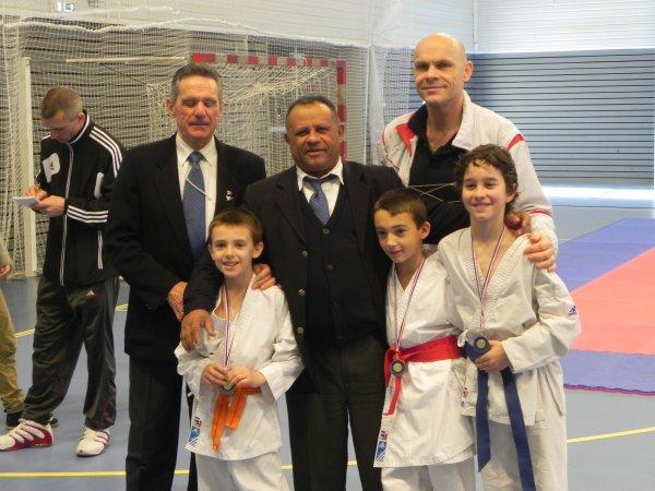 IKS avec ses clubs annexes a trusté des médailles au championnat et coupe de Franche comté kumité ...