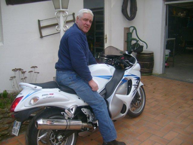 la 1340 gsxr hayabusa c' est pas une moto c'est un avion!!!!