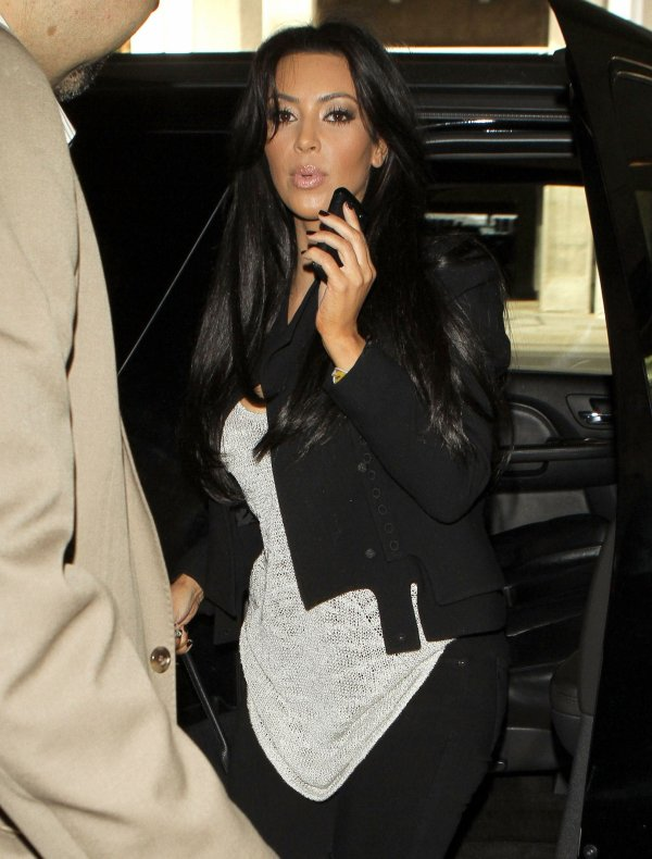 Kim in NYC at the airport