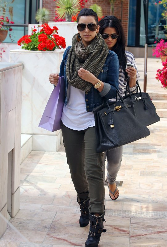Kim went shopping in Beverly Hills (03/17)