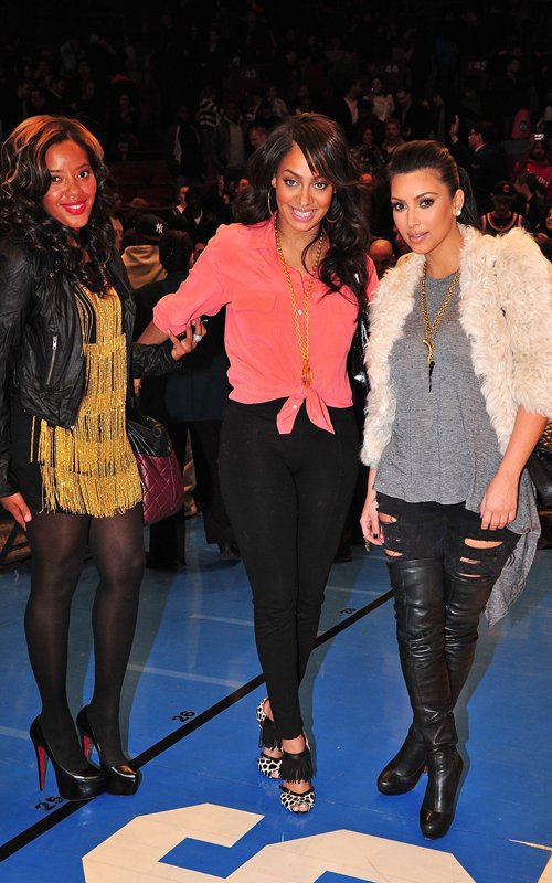 Kim & Lala Vasquez at knicks vs bucks, New York (03/25)