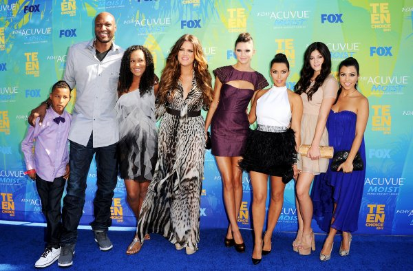 Kardashian family at Teen Choice Awards (08/07)