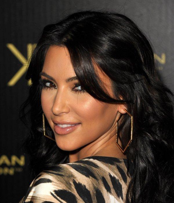 The Kardashian/Jenner family at the Kardashian Kollection launch (08/17)