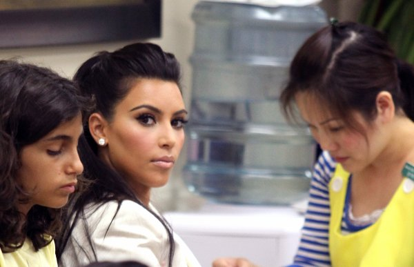 Kim at the Nail Salon (08/19)
