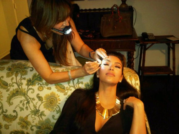 "Twitpic: ""Late night eyebrows by Anastasia! Check out her light mouthpiece to get a close up of my brows! LOL """