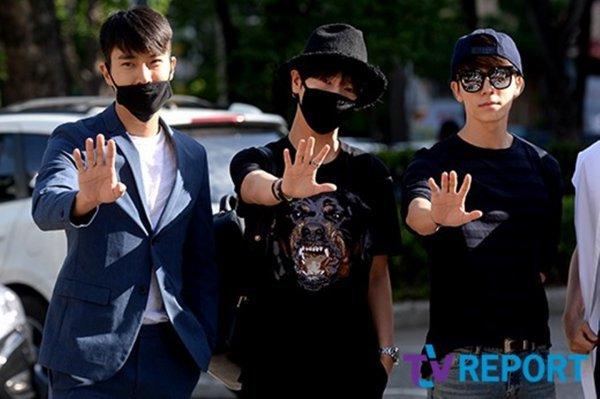 Siwon a été vu au Music Bank encourage Yesung avec Donghae et Eunhyuk