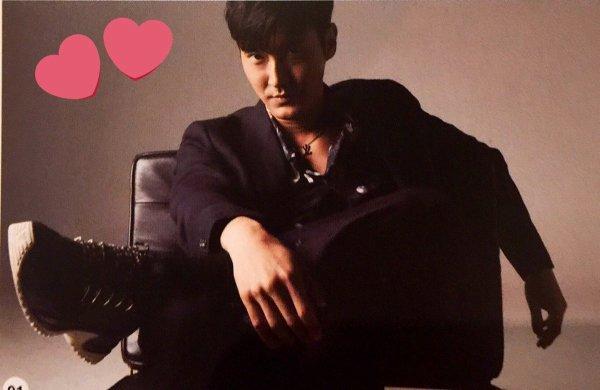 Photoshoot de Siwon pour Esquire magazine de Hong Kong