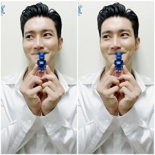 Photoshoot de Siwon pour le calendrier 2019 des Super Junior