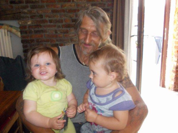 mon papa et clara et ma fille elena