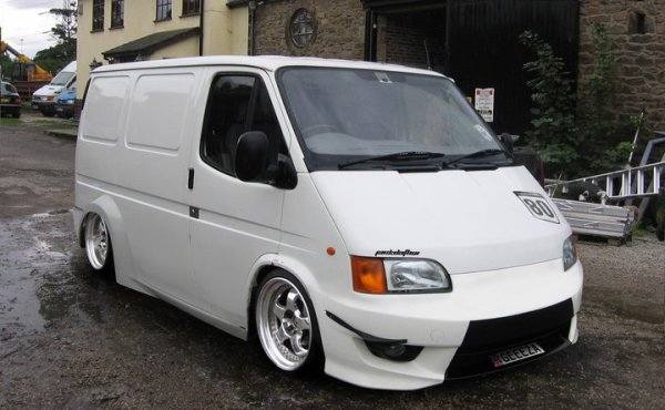 un ford transit tuning , tres jolie