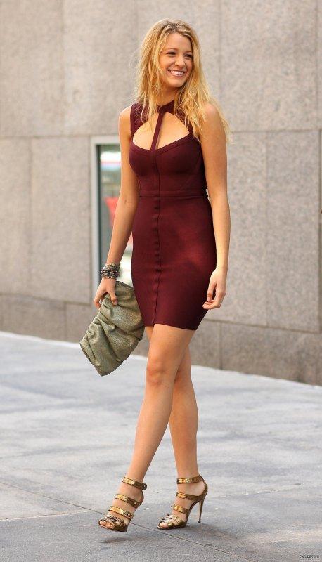 Quel vernis avec robe violette