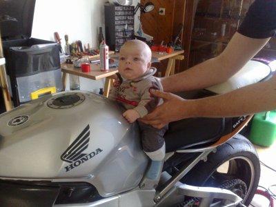 mmon fils maximilien en moto